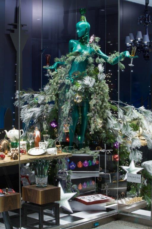 Weihnachtsdeko Schaufenster Bilder Frohe Weihnachten In Europa