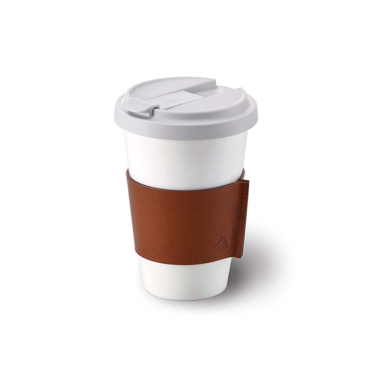 Coffee-2-Go-Becher aus Porzellan von Dibbern mit Ledermanschette bei Franzen in Düsseldorf kaufen