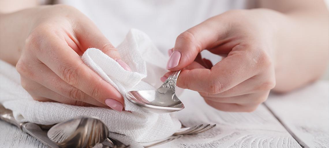 Unsere wichtigsten Pflegetipps für Ihre Lieblingsstücke aus Glas, Silber und Porzellan