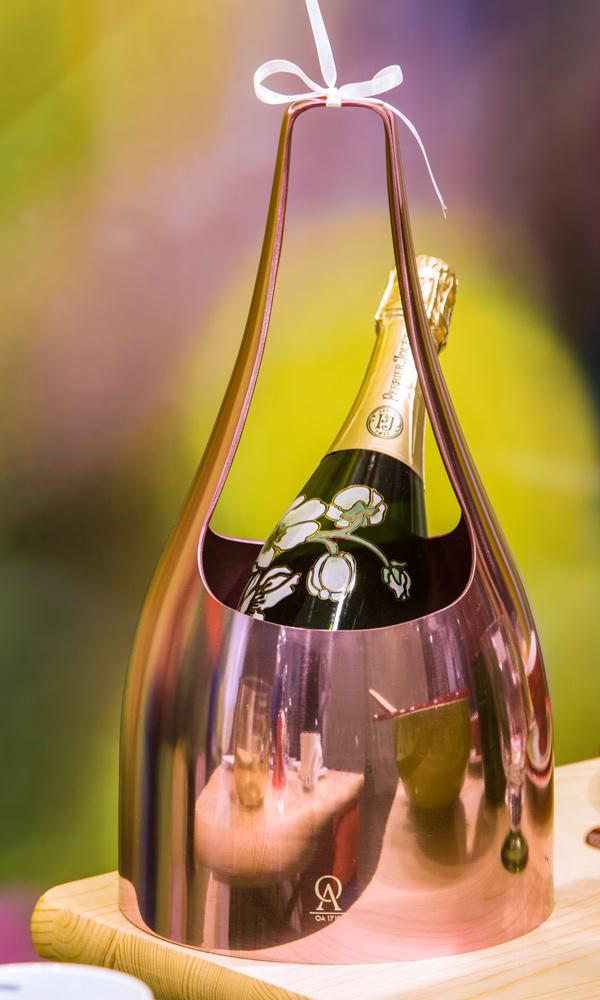 Sommergarten bei Franzen mit Champagnerkühler von L'Orfèvrerie d'Anjou