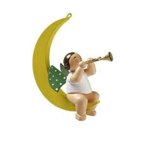 Engel m. Trompete im Mond
