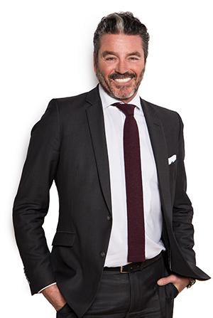 Herr Thomas van Heerden