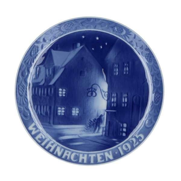 Royal Copenhagen Christmas Plates.Christmas Plate 1925 18 Cm