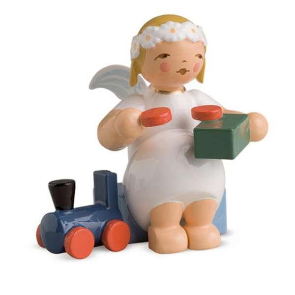 Margeritenengel, sitzend m. Eisenbahn