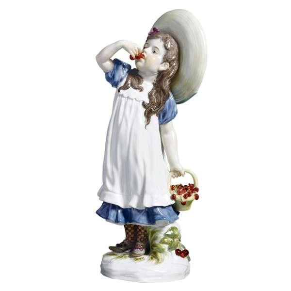 Kind mit Kirschen H 17 cm