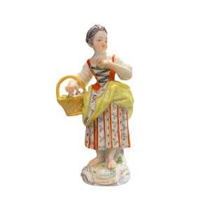 Gärtnerkind mit Handkorb 13 cm